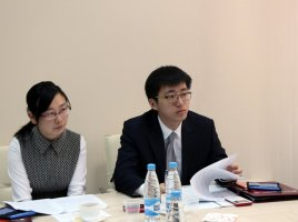 Ms. Zhu Min and Mr. Mu Tzianiu, Consulars of the Embassy of China in Belarus