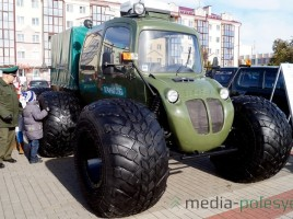 "Photo: Media-Polesye. Swamp vehicle ""Rosa 21"""